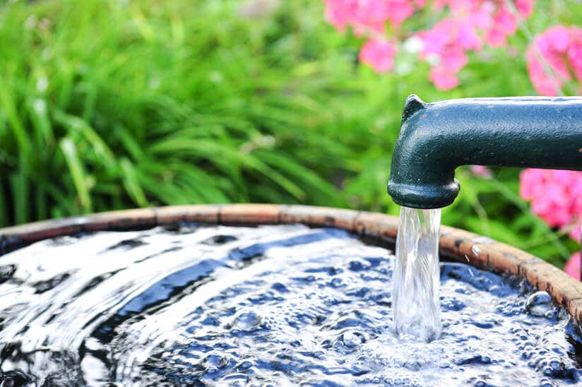 Brunnen Anlegen Im Garten: Wichtige Infos Vor Baubeginn