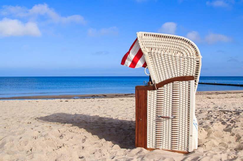 Strandkorb zeichnung  Strandkorb im Garten: Tipps zur Aufstellung, Pflege & Deko