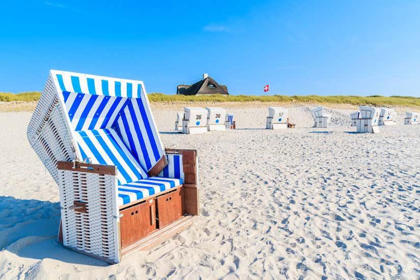 Berühmt Strandkorb im Garten: Tipps zur Aufstellung, Pflege & Deko @IG_87