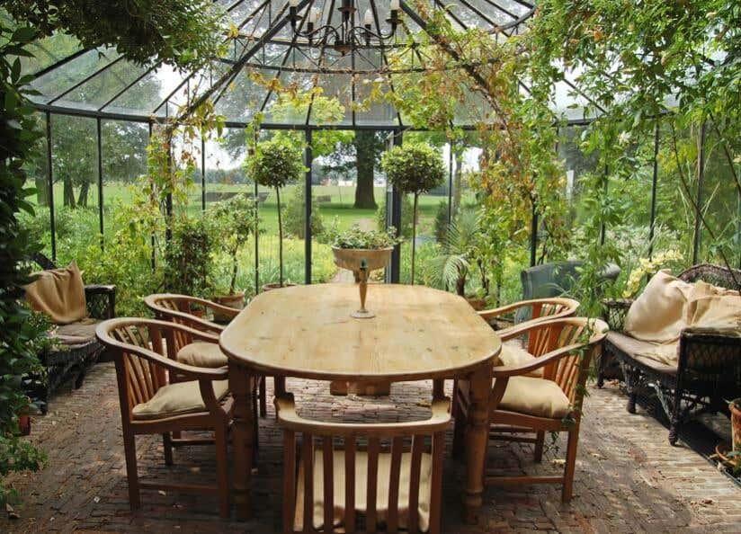 Außergewöhnlicher Wintergarten: Bilder, Ideen U0026 Beispiele Für Ihr Zuhause.  Wintergarten Bilder Tisch Stühle