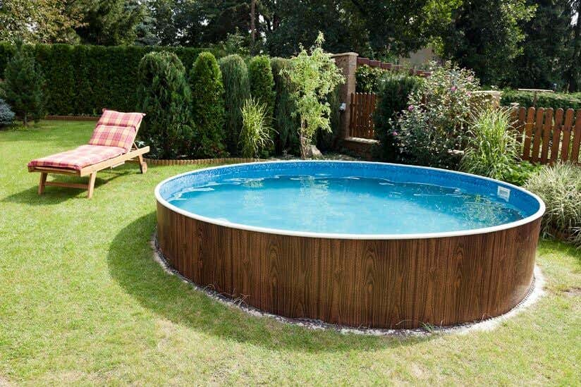 swimmingpool im garten alles was sie zu gartenpools wissen m ssen. Black Bedroom Furniture Sets. Home Design Ideas