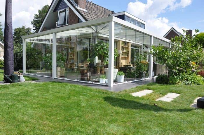 Terrassenüberdachung Wintergarten Glas weiß