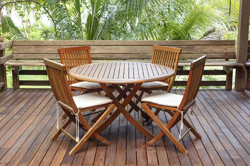 Gartenmöbel Streichen Tipps Zur Pflege Und Farbe