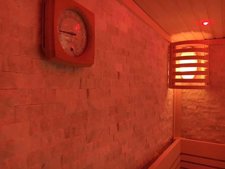 Sauna Innenraum Wand