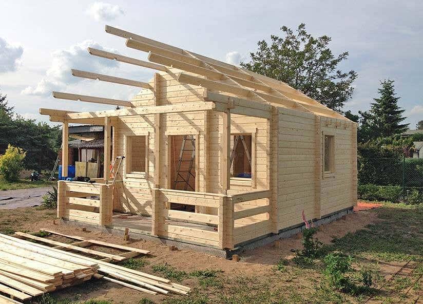 Gartenhaus im Aufbau