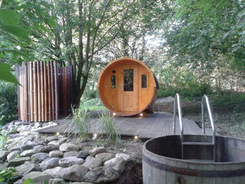 fass sauna modell sam mit harvia holz ofen fass sauna modell sam mit harvia holz ofen a z. Black Bedroom Furniture Sets. Home Design Ideas