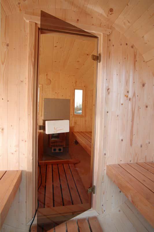 wolff finnhaus saunafass 400 de luxe thermoholz montiert 310 695 a z gartenhaus gmbh. Black Bedroom Furniture Sets. Home Design Ideas