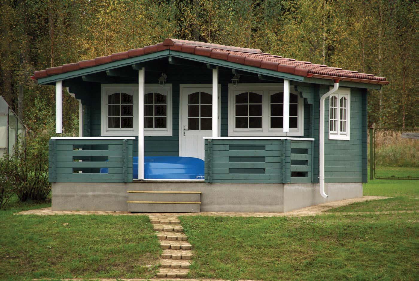 gartenhaus mit terrasse gebraucht innenr ume und m bel ideen. Black Bedroom Furniture Sets. Home Design Ideas